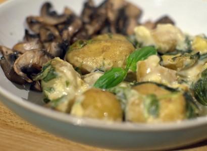 תפוחי אדמה טיבעוני מוקרם אפוי בתנור שמנת צמחית