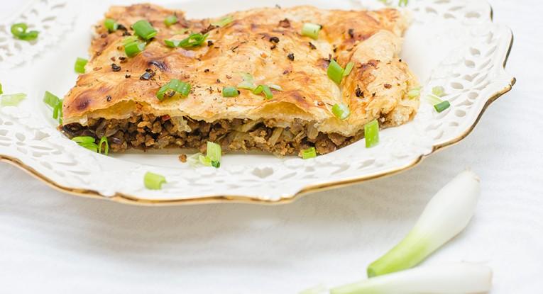מאפה בצק עלים בשר סויה טבעוני