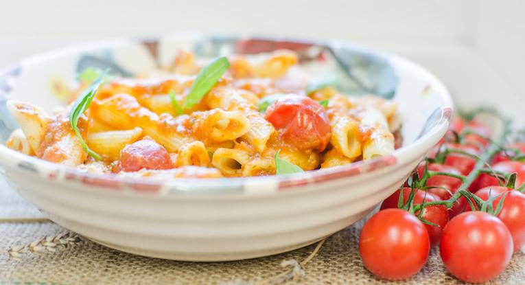 פסטה ברוטב בלסמי ועגבניות שרי