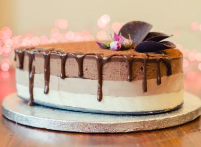 מתכון לעוגת טריקולד טבעונית טבעונות שוקולד שכבות