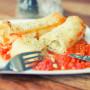 קנלוני טבעוני במילוי טפינה גבינת סויה וברוקולי עם צנוברים נטלי הולדינג טבעונות