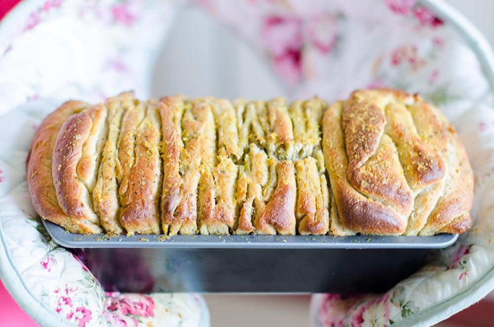 לחם שכבות פסטו טבעוני טבעונות