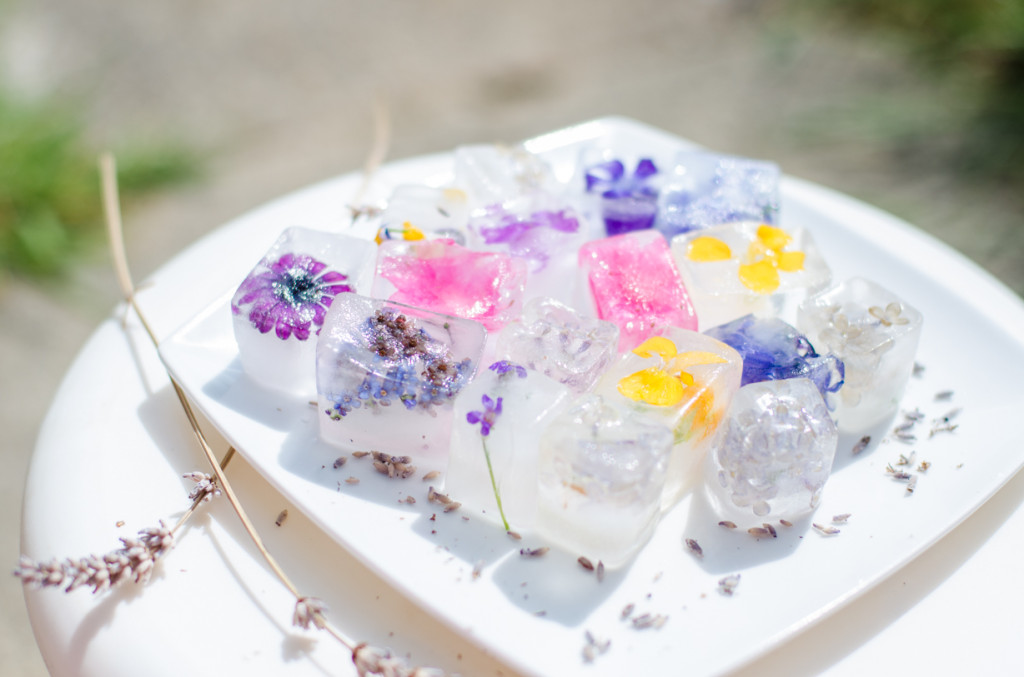 קרח מעוצב פיות עם פרחים