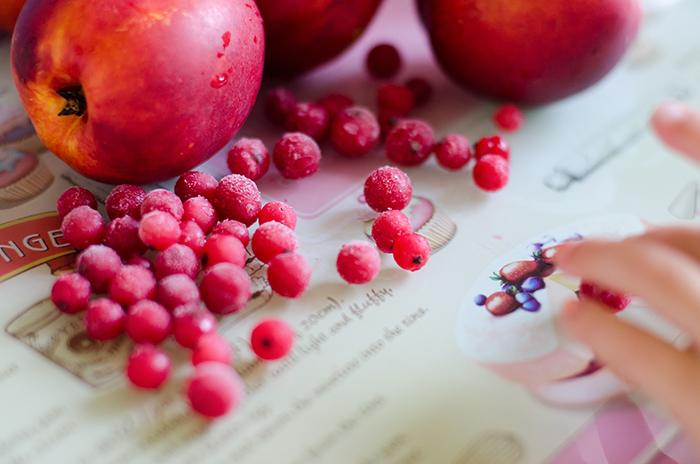 עוגת פירות קיצית טבעונית