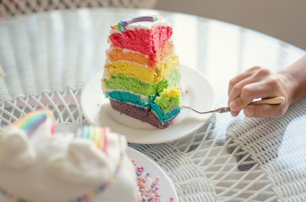 עוגת קשת בענן טבעונית