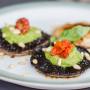 פטריות ממולאות פסטו זיתים טבעוני